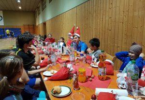 Gemeinsames Abschlussessen des Weihnachtsdoppelturnier der Jugend 15.12.2017